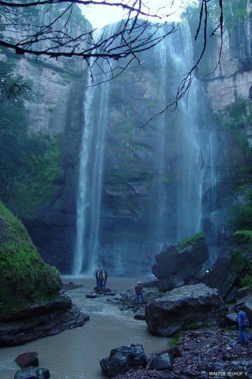 cascada tecolotes